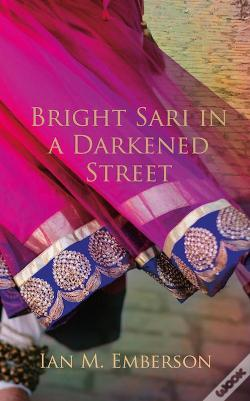 Wook.pt - Bright Sari In A Darkened Street