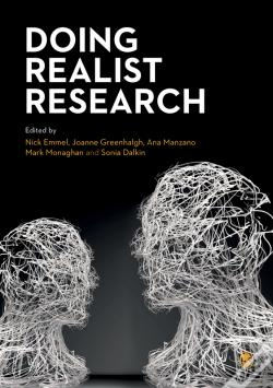 Wook.pt - Doing Realist Research